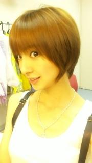 篠田麻里子のショートヘアの髪型